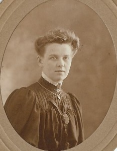 Fig. 3:  Lena Ballard, who married Arthur Linfield in 1908 at Chichester