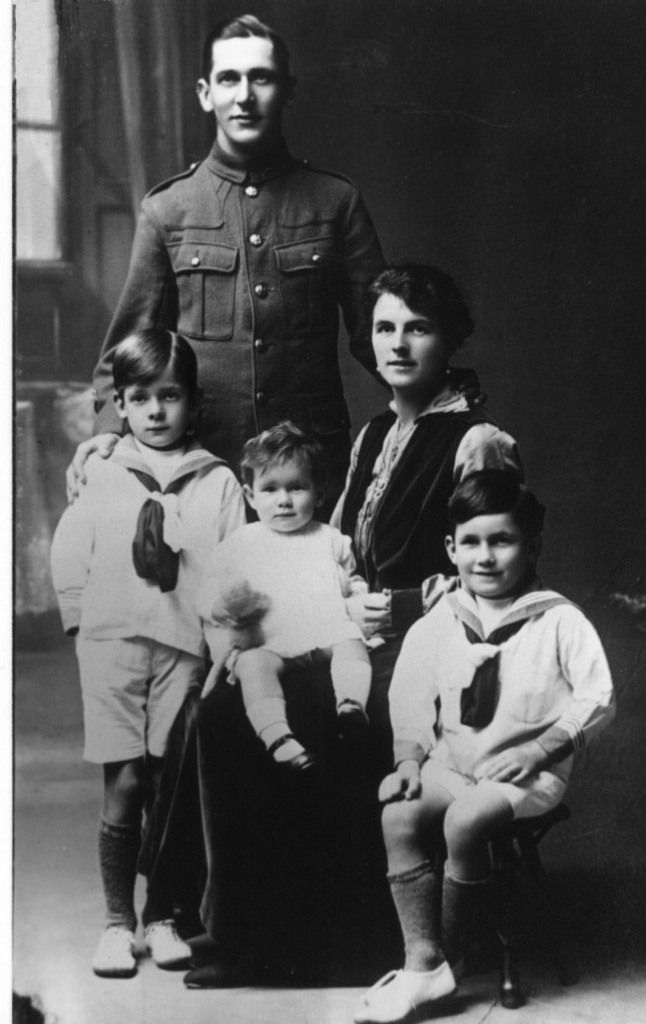 William Frederick and Mary Barclay Linfield with their sons Roy (standing) and Philip, and daughter Pauline